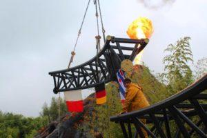 Flaggenzeremonie zum Schienenschluss - Quelle: FB-Präsenz von Damstra Techniek