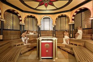 """maurisch-orientalisch bei 70 Grad in der """"Alhambra""""-Sauna"""