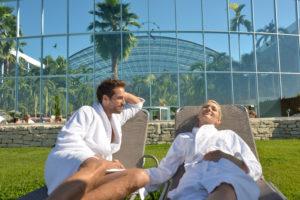 auch im freien kann man entspannen / Quelle: Badewelt